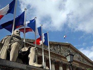 """Fransa, Panama'yı """"vergi cenneti"""" listesine alacak"""