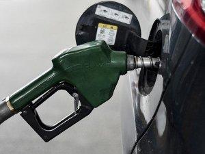 Benzin ve motorin fiyatı 6 kuruş arttı
