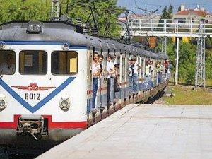 İstanbul banliyö treni geri geliyor