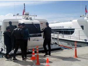 Van Gölü'nde adalara deniz otobüsü seferleri başladı
