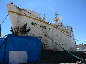 Van Gölü'nde M/F Refet Ünal isimli feribot iskeleye çarptı