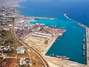 Güney Kıbrıs'ta ilk özelleştirme yapıldı, Limasol Limanı devredildi
