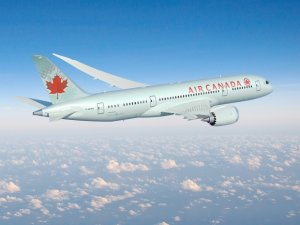 Air Canada İstanbul'a Dreamliner ile geldi