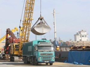 Kıbrıs Limanları'nda trafik yoğun