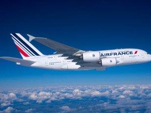 Air France uçakları çarpıştı