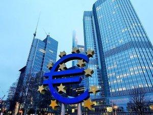 Avrupa'da sanayi üretimi azaldı