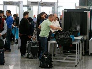 Türkiye'ye 23 milyon yolcu giriş çıkış yaptı
