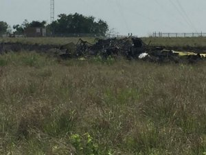 Teksas'ta küçük uçak düştü