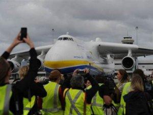Dünyanın en büyük uçağı Avustralya'da