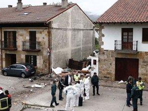 İspanya-Fransa sınırında küçük uçak düştü