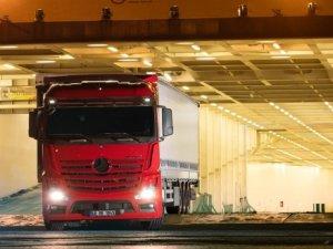 Mercedes'ten yorgunluğu algılayan kamyon