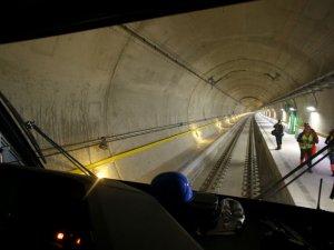 Dünyanın en uzun tüneli Gotthard Base, yarın açılıyor