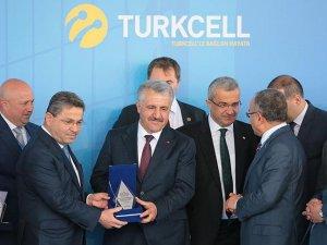 Dünyanın verisi Türkiye üzerinden taşınacak