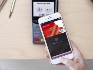 Apple Pay, PayPal'a rakip oluyor!