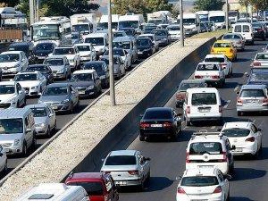 Trafiğe kayıtlı araç sayısı arttı