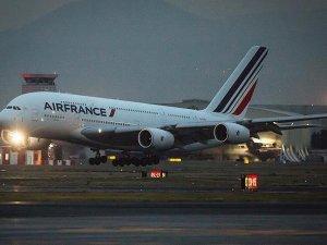 Air France pilotlarının grevi sürüyor