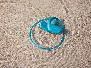 Deniz suyuna dayanıklı giyilebilir Sony Walkman