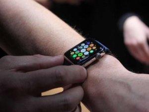 Apple'ın yeni akıllı saati kamera ile gelebilir !