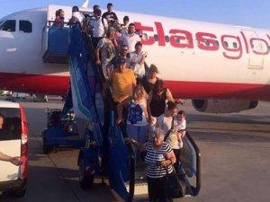Arızalanan uçağın yolcuları büyük tehlike atlattı!