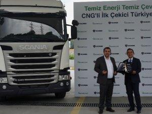 Scania, ilk CNG'li çekiciyi Naturel Gaz'a sattı