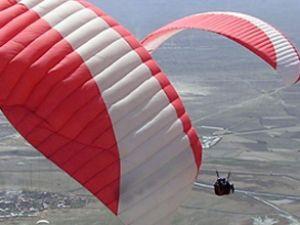 62 bin paraşüt atlayışı gerçekleştirildi