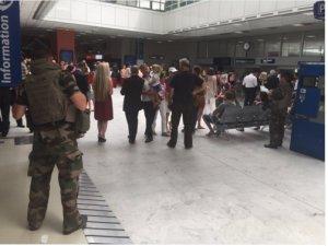 Nice Havalimanı tahliye ediliyor