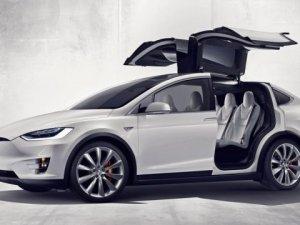 Tesla, Model X 60D aracını duyurdu
