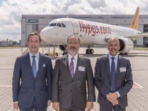 Pegasus'un yeni uçağına 'Demokrasi' adı verildi