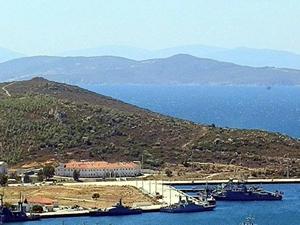 Foça Deniz Üssü'ne operasyon: 201 gözaltı