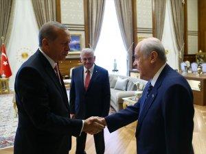 3 partinin liderleri Cumhurbaşkanlığı Külliyesi'nde