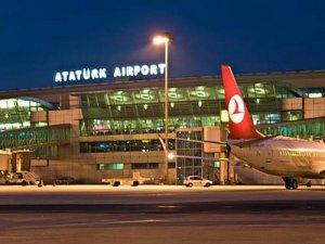 Atatürk Havalimanı yetkilileri: En az 3 saat önce havalimanında olun