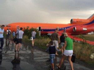 Rusya'da uçak pistten çıktı