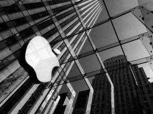 Apple, yeni giyilebilir cihaz geliştiriyor