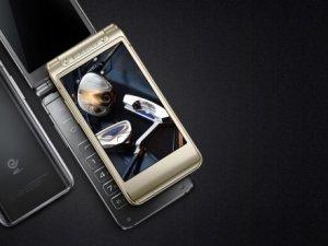 Samsung'dan yeni kapaklı telefon Veyron!