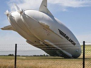 Dünyanın en büyük hava aracı Airlander yere çakıldı
