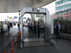 Atatürk Havalimanı'na giren araçlar X-Ray'le kontrol edilecek