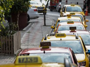 Taksiciler Uber'den şikayetçi