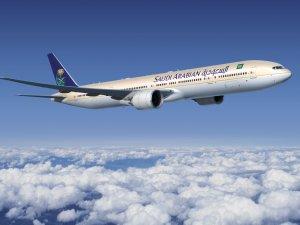 Suudi uçağı acil iniş yaptı