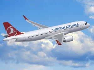 Kabin basıncı düşen THY uçağı Trabzon'a indi