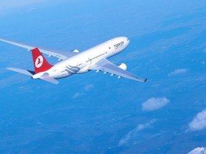THY uçağı Trabzon'a acil indi