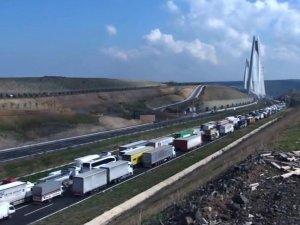 Yavuz Sultan Selim Köprüsü'ndeki çalışma trafiği aksattı