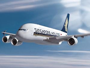 Singapur uçağı piste kuyruk vurdu