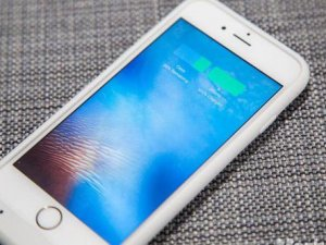 iPhone 8 kablosuz şarj olacak