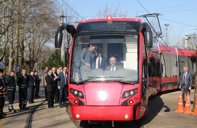 baskan-altepe-tramvyai-kullandi.jpg