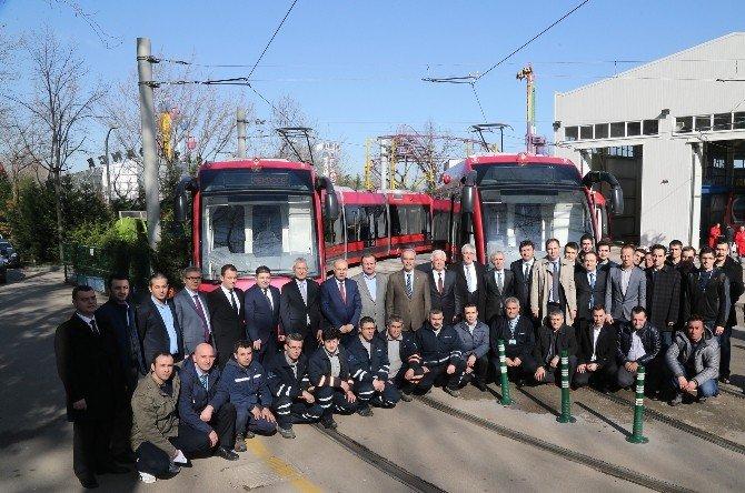 yeni-tramvaylar-hizmete-basladi.jpg