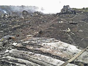 Ukrayna'da yolcu uçağı füzeyle düşürüldü: 295 ölü